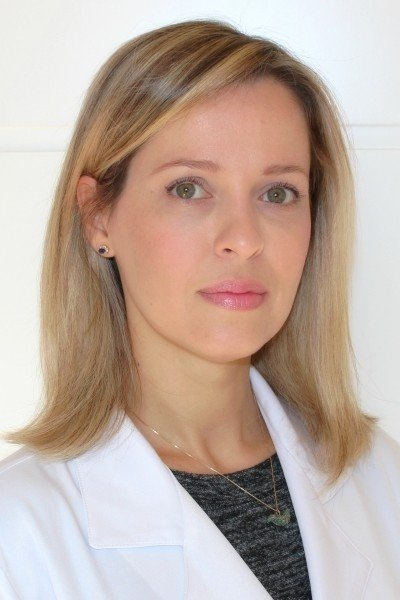 Dra Claudia Faria